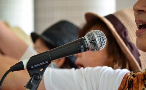 能動的音楽療法,合唱,カラオケ